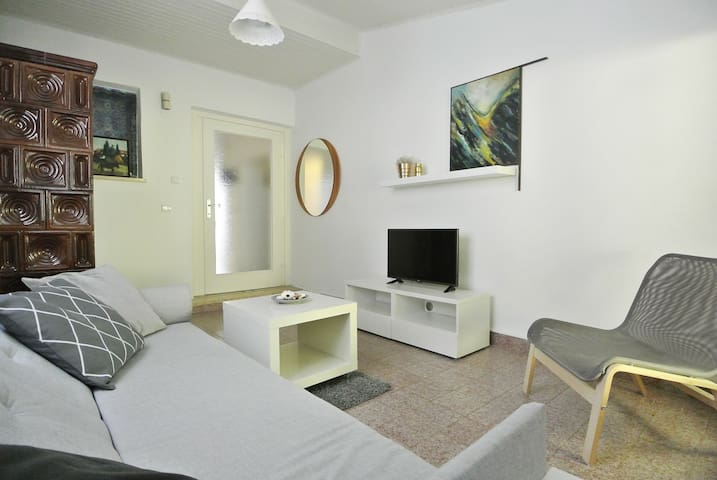 Apartment with a direct acess to garden