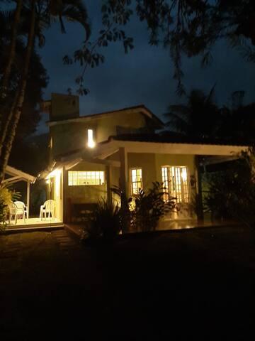 Fachada da Casa 2 (noite)