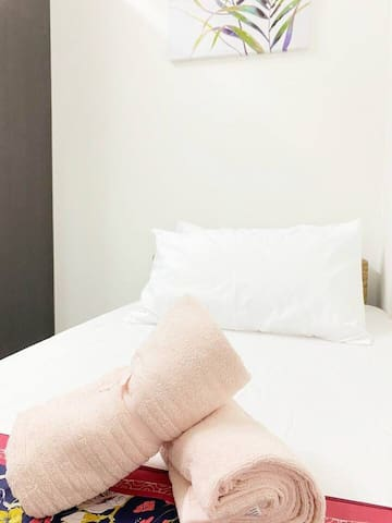 Solo traveller comfy room FREE ERL PICK UP