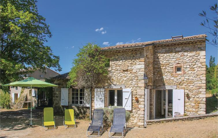 Holiday cottage with 5 bedrooms on 170m² in La Begude-De-Mazenc