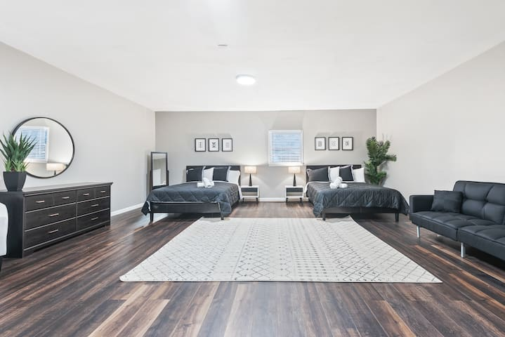 Extra Large Bedroom with Flat Screen TV & additional sleeper sofa