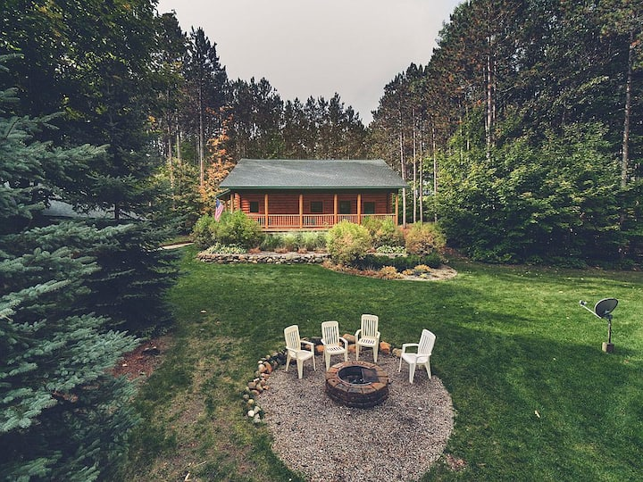 Traverse Way Lodge-Beautiful Cabin in the Woods