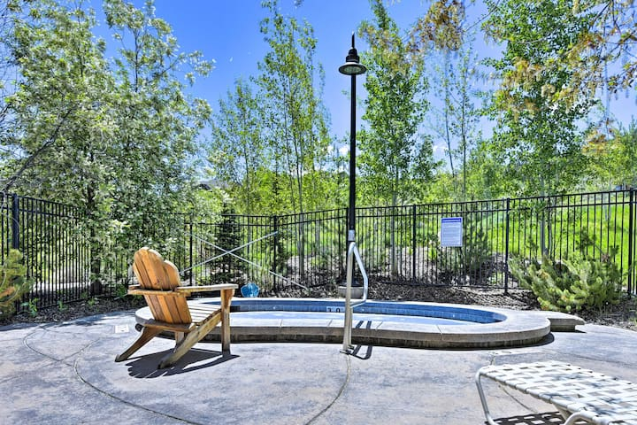 The 3-bed, 2-bath condo sleeps 9 and has access to community amenities!