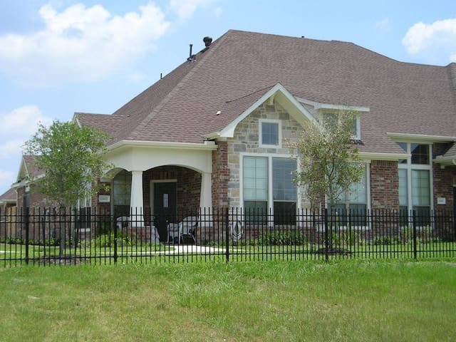 Townhome, gated community.
