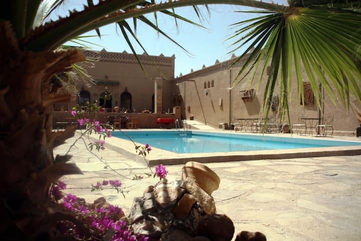 Kasbah Ennasra alle porte del deserto