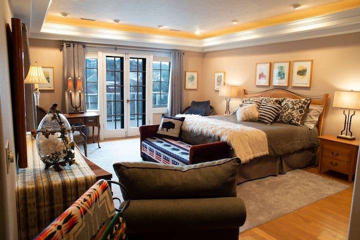Sundown Room-K-Suite & Deck