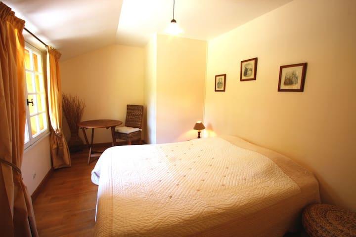 Chambre Abricot 1er étage du Lodge
