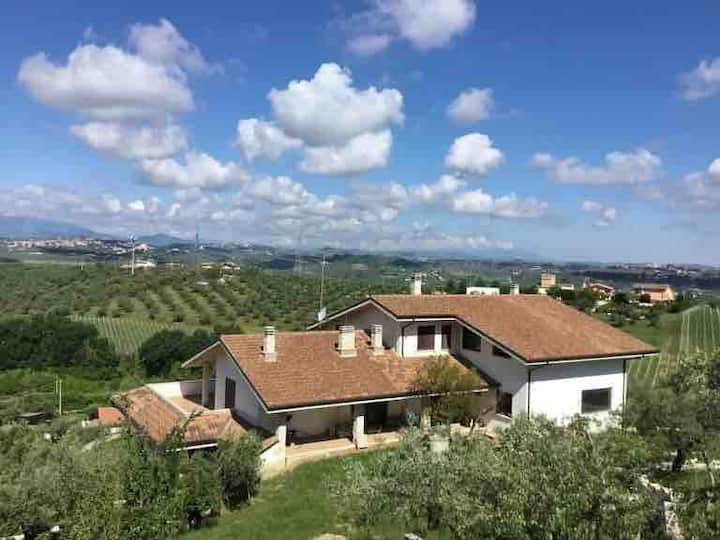 Villa Assunta - Wonderful Taste of Italian hills