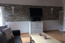Schöne DG Wohnung mit Küche, Bad und Arbeitszimmer