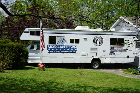 Clean & Cozy Motorhome - Morgantown - Campingvogn