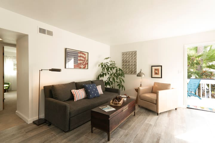 Beach Living Near the Race Track! - Solana Beach - Apartment