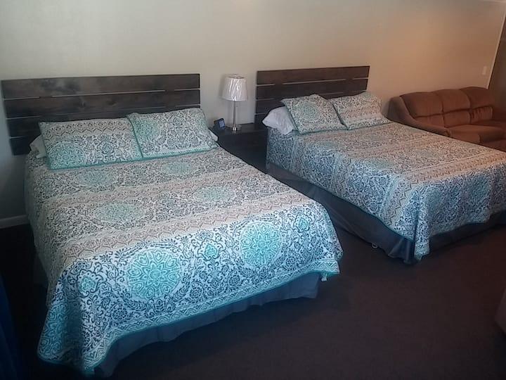 City of Rocks Retreat, Large open floor Apartment