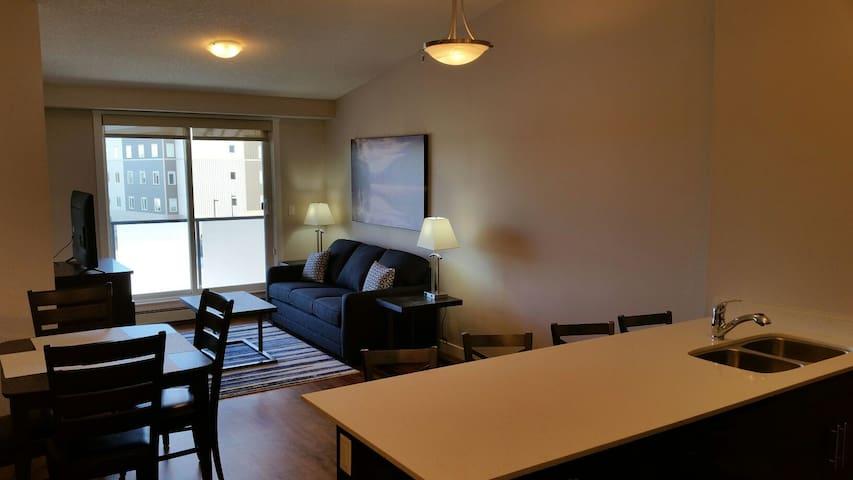 Split Style Spruce Grove Exec Suite 2 Bed 2 Bath