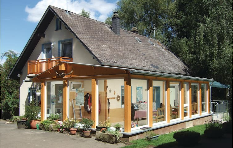 Holiday cottage with 5 bedrooms on 120 m² in Kümbdchen
