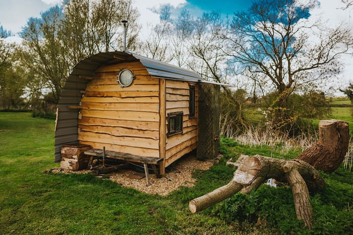 Tiny House Trailer by quiet river - Brooksby - Baraka