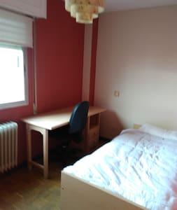 Habitación agradable en Alcobendas - Alcobendas - Leilighet