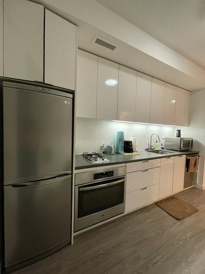 Fully Furnished Studio in Downtown San Francisco