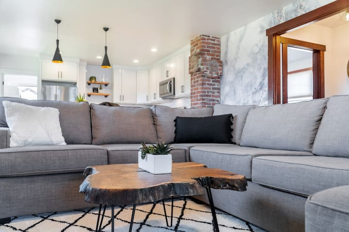 Open floorpan for all to enjoy.
