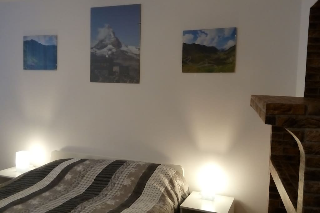 Mountains Room