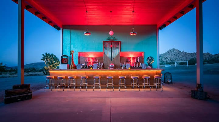 Pioneertown- The Know Where Ranch *Pool & Views!*