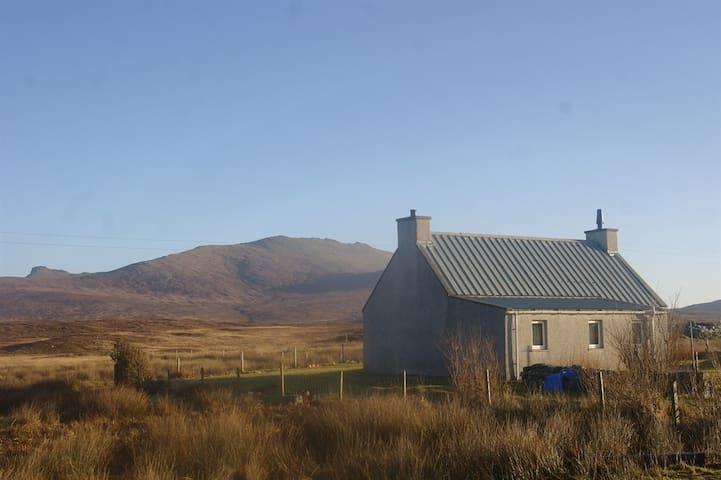An Seann Tigh - 'The Old House' - Na h-Eileanan an Iar - House