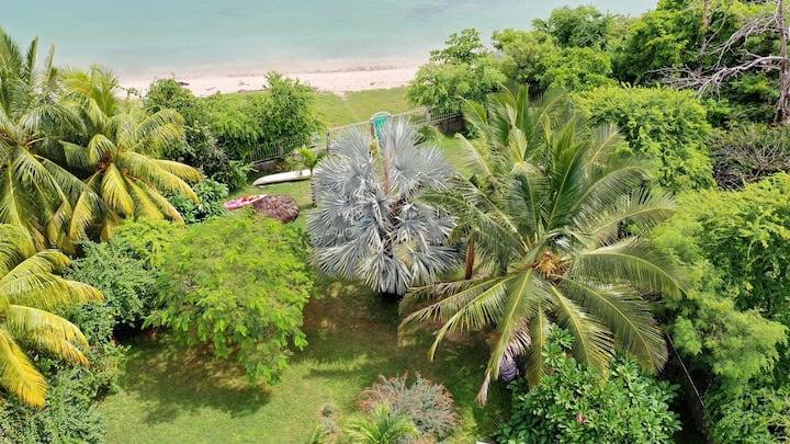 Chambre privée  avec vue sur mer dans bungalow