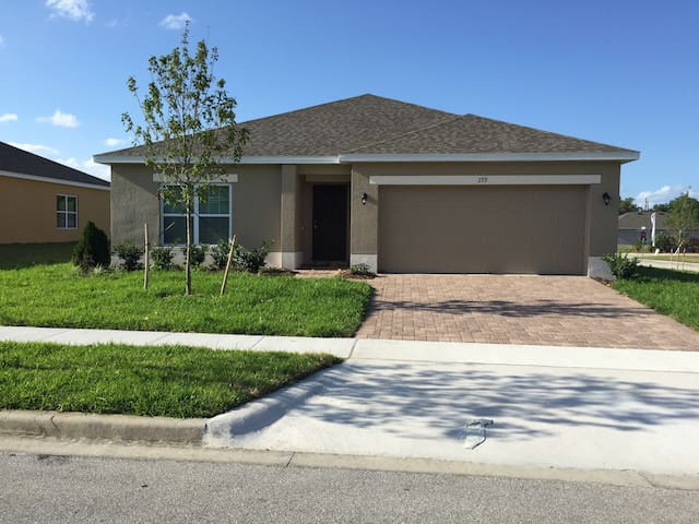 Charming new home. Close to Disney - Davenport - Casa