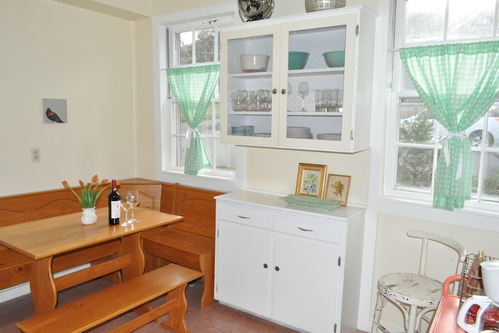 Happy bright kitchen!