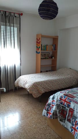 Luminosa habitación en Benimaclet