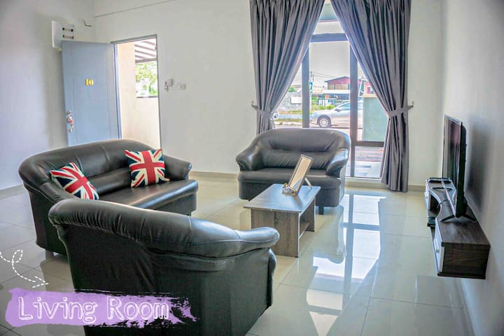 Convenient Home Stay at Pasir Penambang!