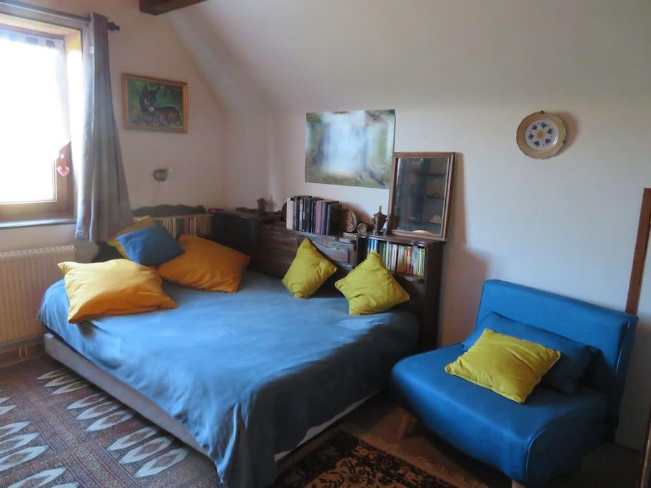 La chambre bleu-canard