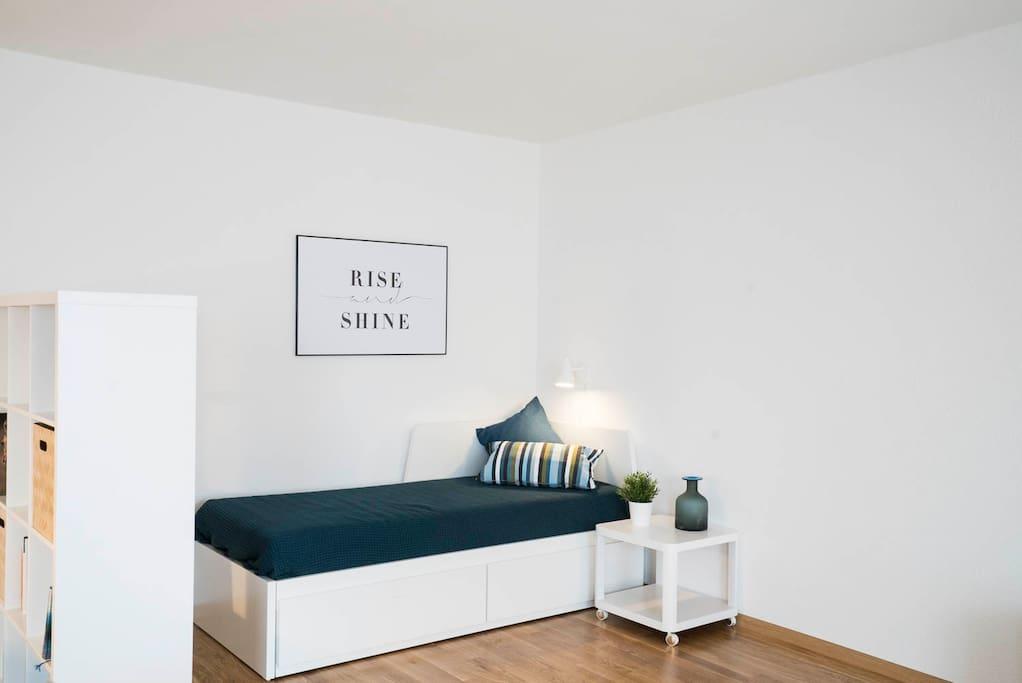 Einzelbett, ausziehbar