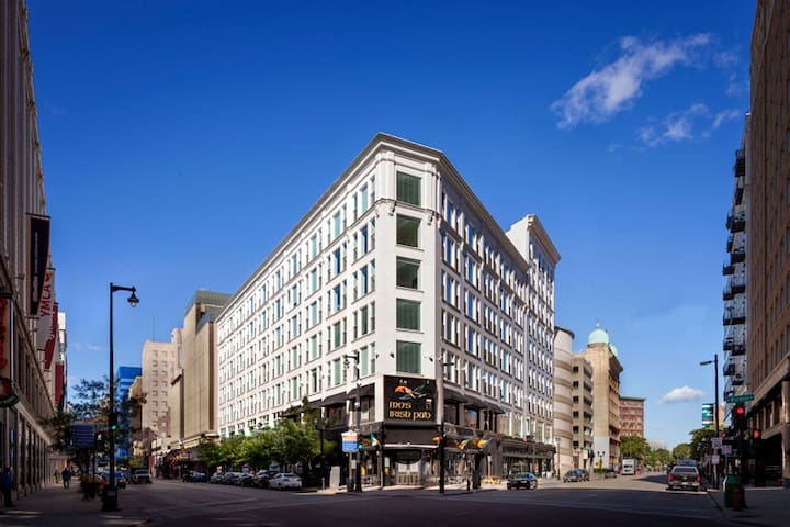 Luxurious modern apartment - Heartbeat of downtown - Milwaukee - Appartement