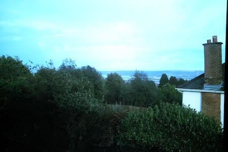 North Belfast  Apartment, Belfast - Belfast