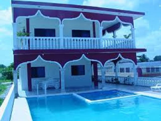 FLAMINGOS GUEST HOUSE - Celestún - Pension