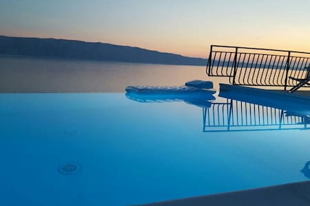Amazing apartment on beach+huge terrace+pool - Starigrad