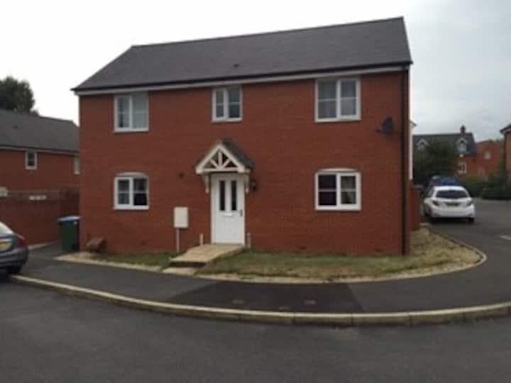 Four bedroom detached house in Aylesbury
