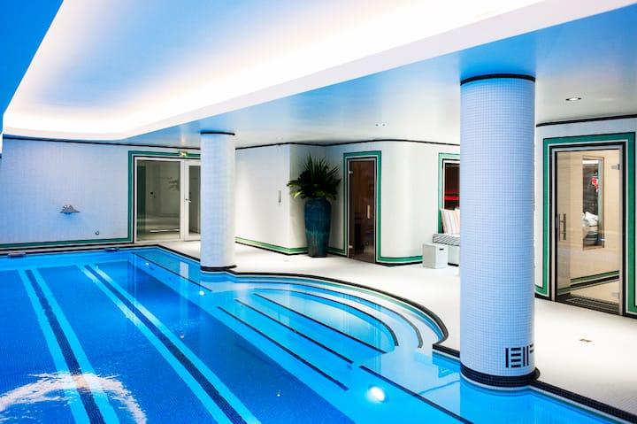 Room & Pool