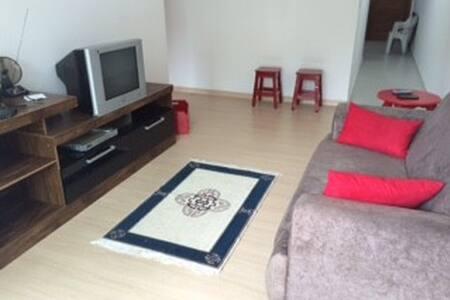 Aluga-se Aptos à 500m do Balneário - Piratuba - 公寓