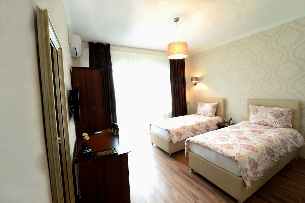 Superior Room with Private Bathroom with Balcony