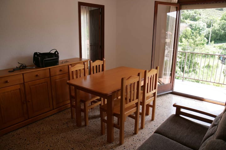 Apartement for 4 persons, very sunny in Bagà. - Bagà - Flat