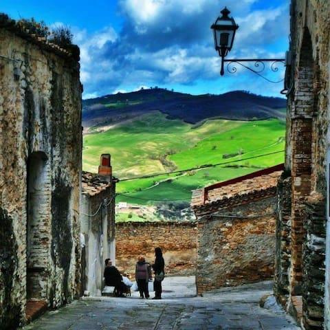 Casa del Borgo -Basilicata