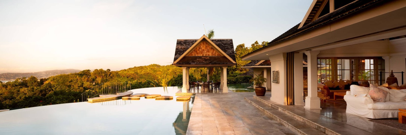 Luxury rentals in Jamaica