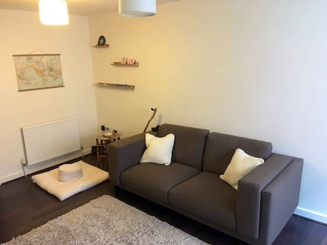 Hackney Double Room Available Instantly SAVE 20%