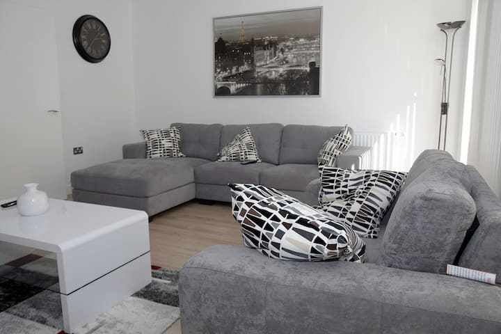 CANNING TOWN HOLIDAY HOME