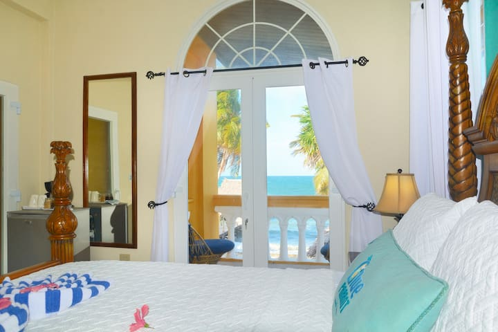 Luxury Ocean View Bedroom with en suite Bathroom