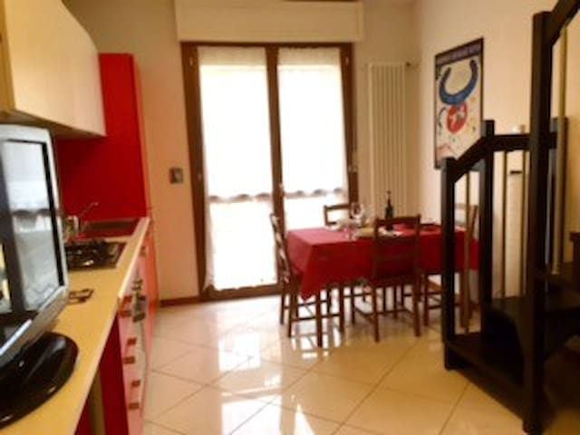 Castelguelfo Outlet Cozy Apartment - Castel Guelfo di Bologna - Appartamento