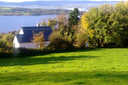 Lough Derg View Cottage, beautiful house and views - Portroe - บ้าน