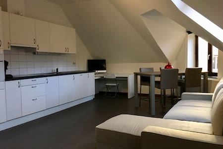 Modern, minimalist flat that adapts to your needs - Gent - Apartmen