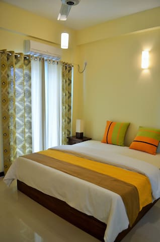 Elegant Room Bordering Colombo - Dehiwala-Mount Lavinia - Apartment